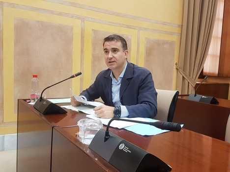 El PP exige a la Junta que posicione a Almería en la media industrial de España