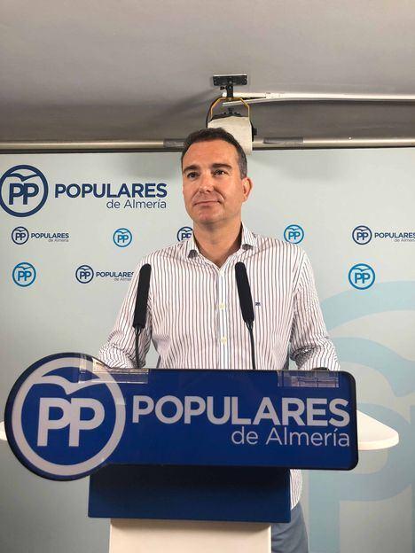 """García exige a la Junta que """"cumpla"""" sus compromisos y una buena gestión de los fondos destinados a la ayuda al comercio antes de criticar a otras administraciones"""