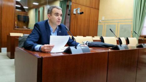 El PSOE rechaza pedirle al Gobierno central que ejecute el soterramiento del paso a nivel de El Puche