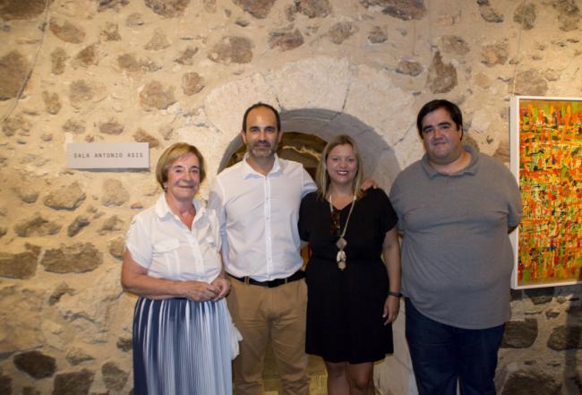 Carboneras inaugura una sala en honor al artista Antonio Asís