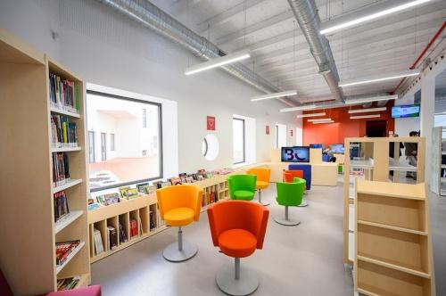 El Ayuntamiento amplia el material para personas con discapacidad en la Biblioteca Central