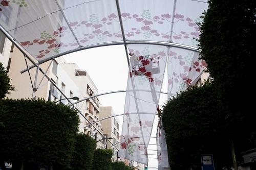 El entoldado del Paseo de Almería durará más tiempo para apoyar el comercio