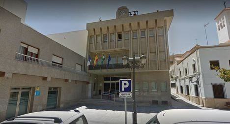 UGT pone a caldo al candidato de Podemos en Roquetas por el 8M