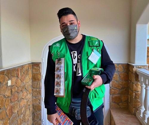 El vendedor más joven de la ONCE en Almería da un Sueldazo de 2.000 euros en Viator