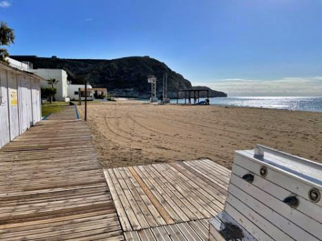 El Ayuntamiento de Níjar acondiciona las playas para Semana Santa