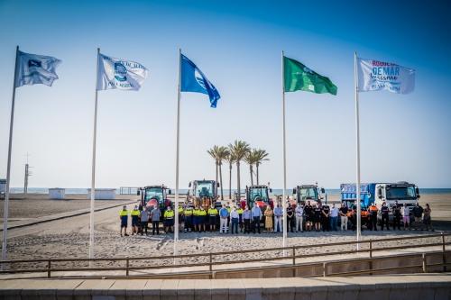 Las playas de Roquetas ondean su calidad y seguridad