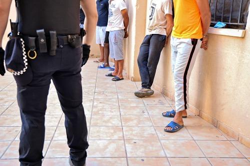 12 detenidos en una actuación antiokupas de la Policía de El Ejido
