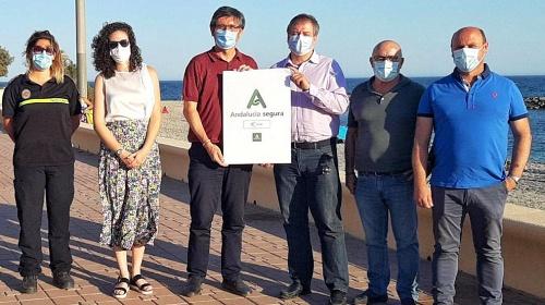 Adra es la primera localidad almeriense con el distintivo 'Andalucía Segura' en sus playas