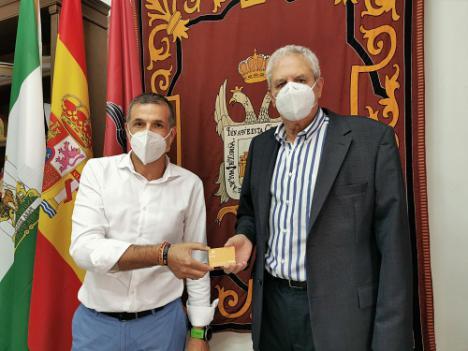 Obra Social La Caixa dona 2.500€ al Banco de Alimentos de Vera