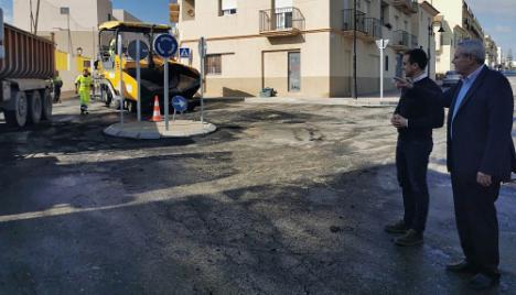 El Ayuntamiento de Vera invierte 48.237€ en mejorar el tráfico junto a un colegio