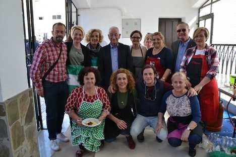 Roquetas se vuelca en la celebración del Día de Andalucía