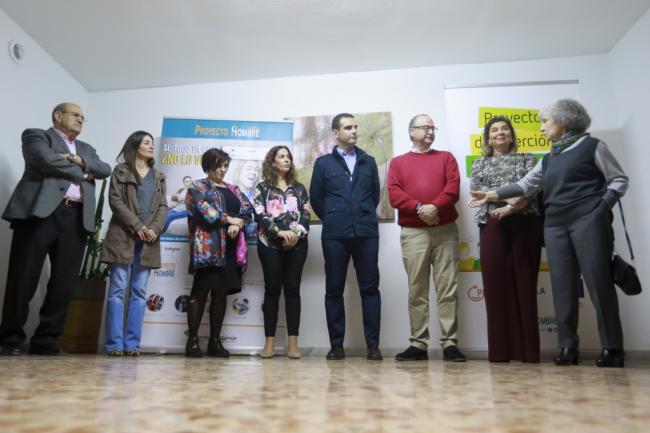 El alcalde visita Proyecto Hombre Almería y elogia su labor