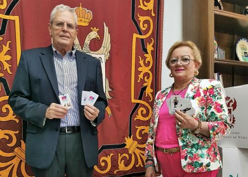Juegos de cartas para concienciar a los jóvenes veratenses sobre la igualdad