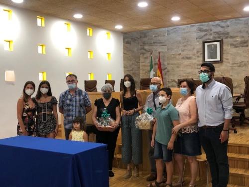 Diputación reconoce la aportación de los abuelos a la familia en la celebración de su día
