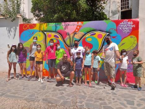 Diputación imparte talleres de mural y grafiti para jóvenes en Urrácal, Almócita, Cóbdar y Laroya