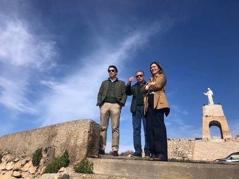 Martínez Labella confirma el compromiso del alcalde con el entorno de la Alcazaba