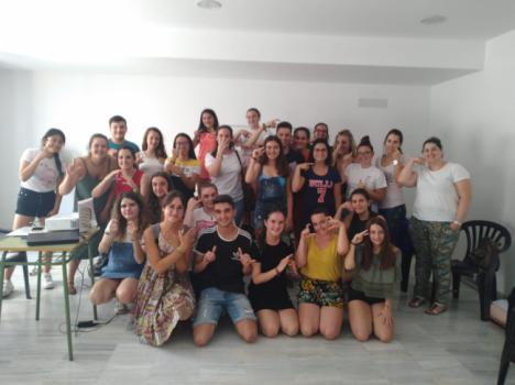 Un centenar jóvenes se forman en inglés y lengua de signos en Albox, Antas y Vélez-Blanco