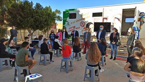 270 escolares almerienses en la campaña con 'Aprende a crecer con seguridad'