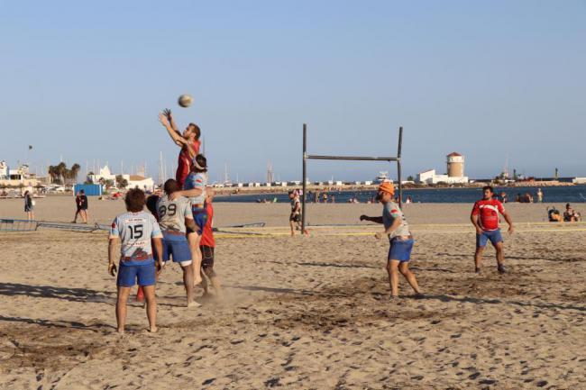 360 participantes de toda España en el XVI Torneo de Rugby Playa en Almerimar