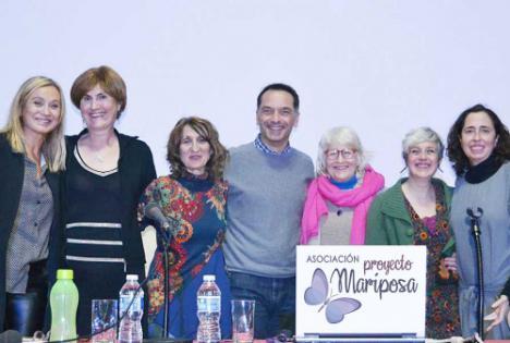 Empleados de Cajamar ayudan con 10.000 euros a la Asociación Proyecto Mariposa