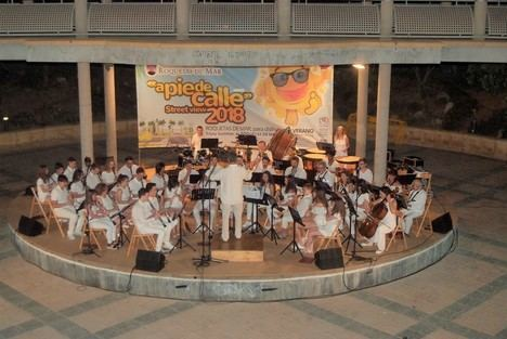 Gran concierto de la Banda Sinfónica de la Escuela Municipal de Música de Roquetas en el Anfiteatro