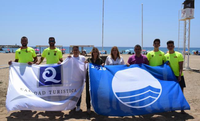 Las banderas azules y las de Q ya ondean en las playas de San José y Aguamarga
