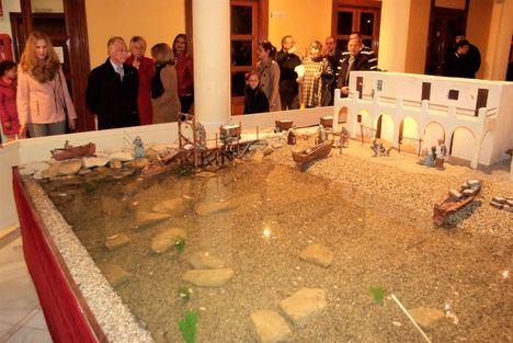 El Castillo de Santa Ana exhibe un Belén Monumental con unas 1.500 piezas
