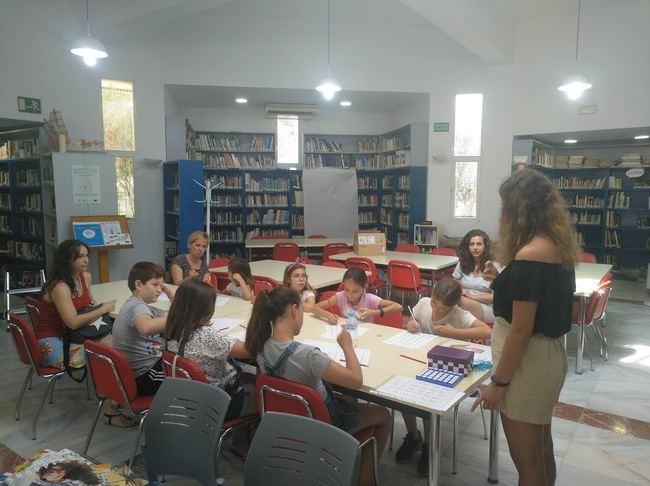 Taller De Lengua De Signos En La Biblioteca Municipal de Vícar