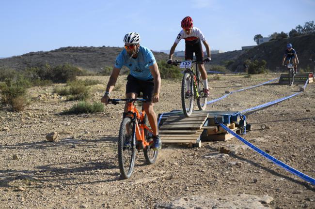 El II Rally BTT XC Costa de Almería reúne a más de 100 ciclistas