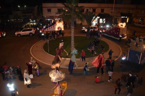18 cabalgatas de Reyes y más de mil kilos de caramelos en Níjar