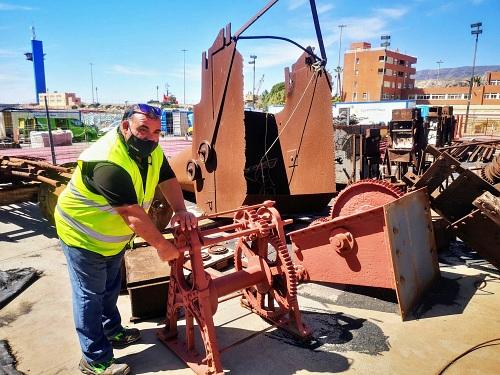 El Puerto de Almería restaurará utensilios del Cable Inglés para el futuro centro de interpretación