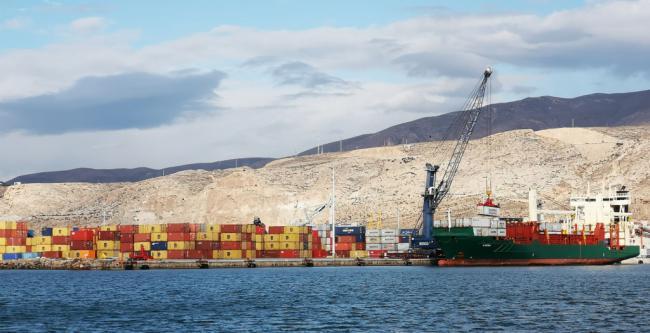 El porte de mercancías en contenedores en el Puerto de Almería crece un 618% hasta febrero