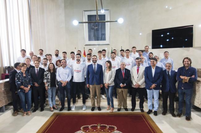 Almería homenajea a los Hispanos con una recepción en el Ayuntamiento
