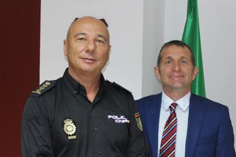 Policía Nacional y Local se reunen con la dirección de Torrecárdenas