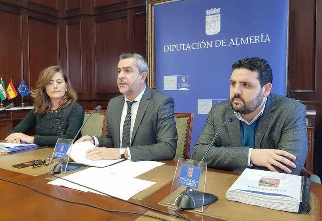 """PSOE: """"El Presupuesto de Diputación prevé invertir la mitad que el anterior"""""""