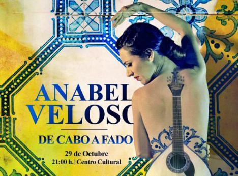 Anabel Veloso presenta en Adra su espectáculo 'De Cabo a Fado'