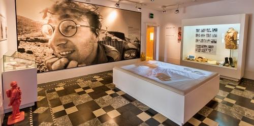 Almería celebra el 81 cumpleaños de John Lennon
