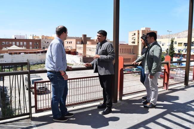 Ciudadanos reclama habilitar los aparcamientos del Puente de Pescadería