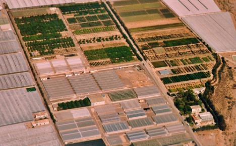 Cajamar promueve un proyecto fotovoltaico en su centro experimental de Almería