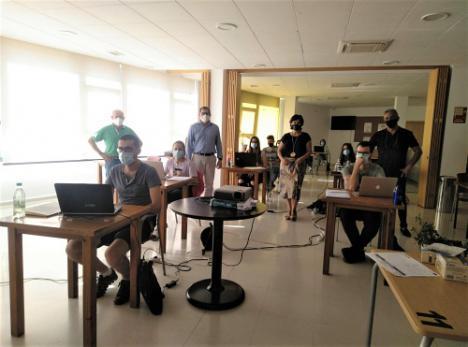 Diputación divulga el 'Espíritu emprendedor' en Abrucena como medida para fijar la población