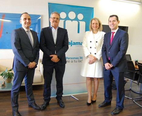 Cajamar financia al sector farmacéutico de Almería