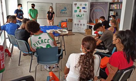 El IAJ y la Asociación Ítaca dan voz a los jóvenes de El Puche ante Europa
