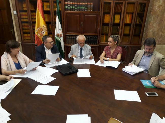 El PFEA reparte 9,1 millones de euros entre 89 municipios de Almería