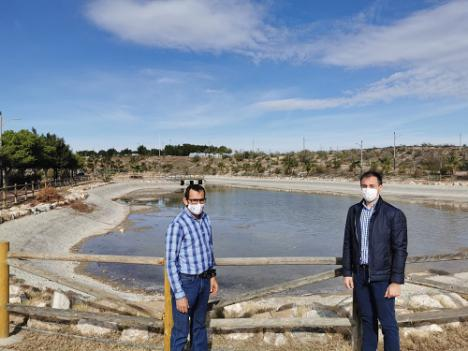 """El lago del """"Parque de la Rambla"""" de Vera ya se llena con el agua de la """"Fuente de los Cuatro Caños"""""""