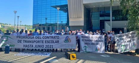 Prórroga de contratos de transporte escolar en Almería