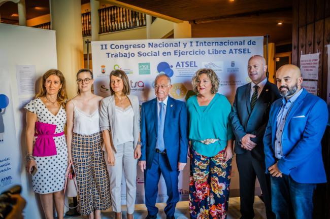 Roquetas se convierte en epicentro internacional del Trabajo Social en ejercicio libre