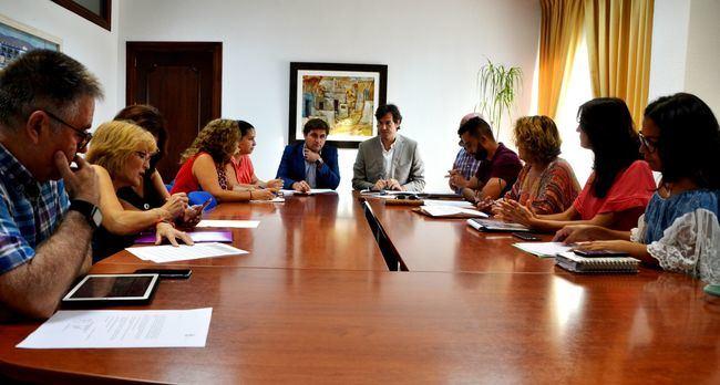 El Consejo Escolar de Roquetas conoce el Plan de Mantenimiento de colegios