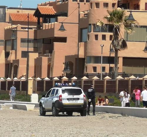 La Policía Local de El Ejido intensifica el control de #COVID19 en Almerimar