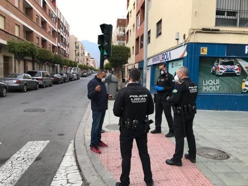 Dos detenidos y 68 denuncias en Semana Santa por incumplir el confinamiento en El Ejido