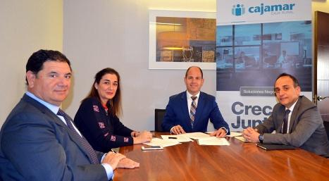 Acuerdo de colaboración de Cajamar y el Colegio de Economistas de Almería
